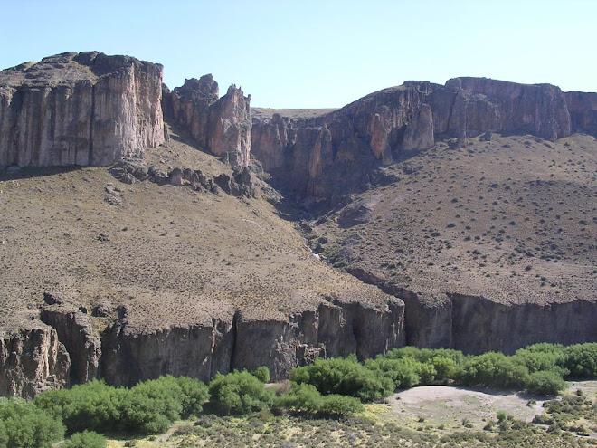 Canyon pour l'accès à las Cuevas de las Manos