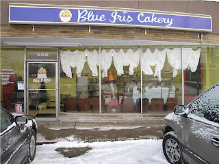 Storefront of Blue Iris Cakery in Niles, Ohio