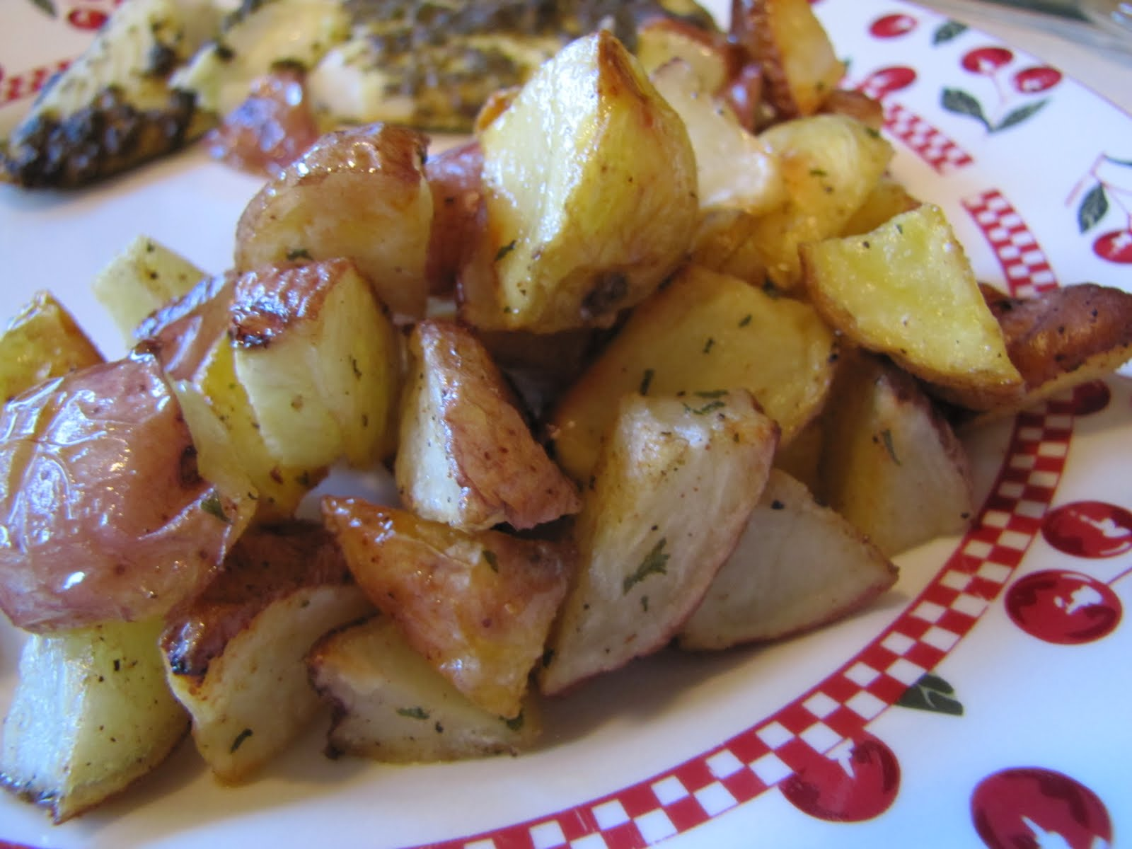 Adventures in Food: Oven-Roasted Red Potatoes