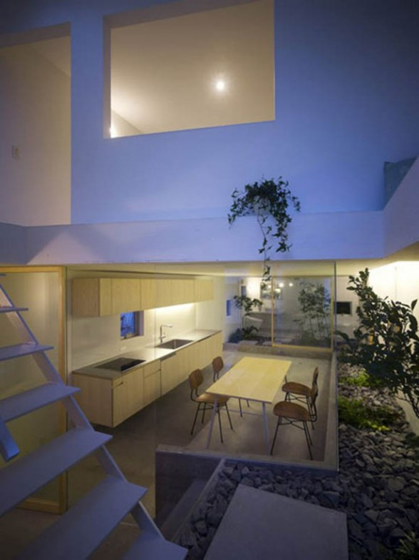 Interior design modern floral japanese house interior for House with interior garden