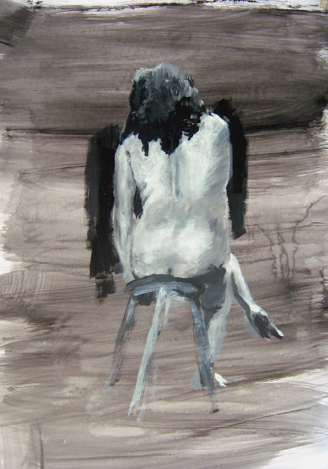 Alma desnuda, de espaldas, sentada