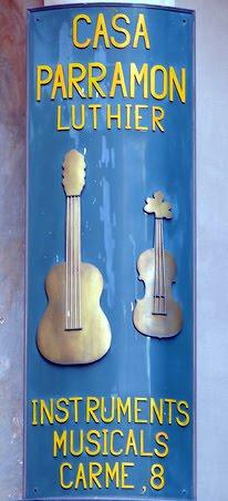 Rincones secretos de barcelona el luthier mas antiguo de for Casa luthier barcelona