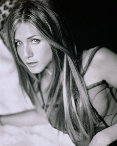 jennifer aniston jewellery. Jennifer knows what suits her