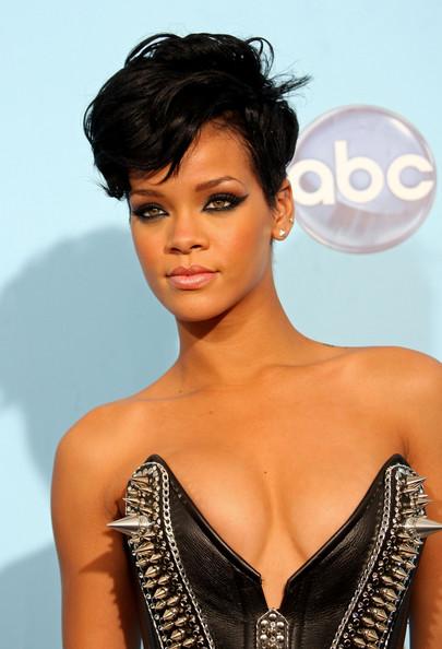 rihanna short haircuts 2011. images Rihanna Short African
