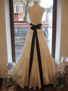 köpa bröllopsklänning på nätet