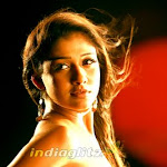 Hot Nayanatara Romantic Stills