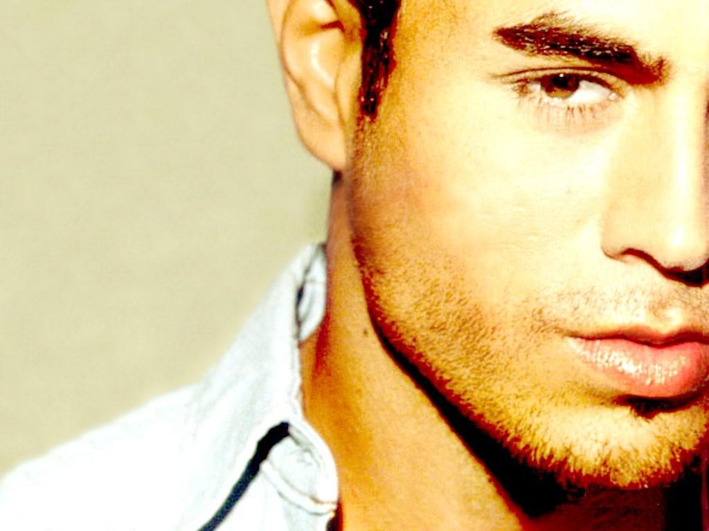 http://3.bp.blogspot.com/_MhMPW2LX3xY/TJ5cdm66HjI/AAAAAAAAALM/1SzLK9KwZt0/s1600/Enrique+Iglesias+%286%29.jpg