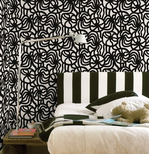 black and white wallpaper pattern. Joonas Black/White Wallpaper