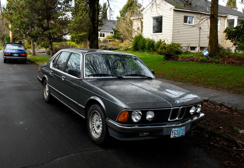 OLD PARKED CARS 1985 BMW 745i Turbo Saloon