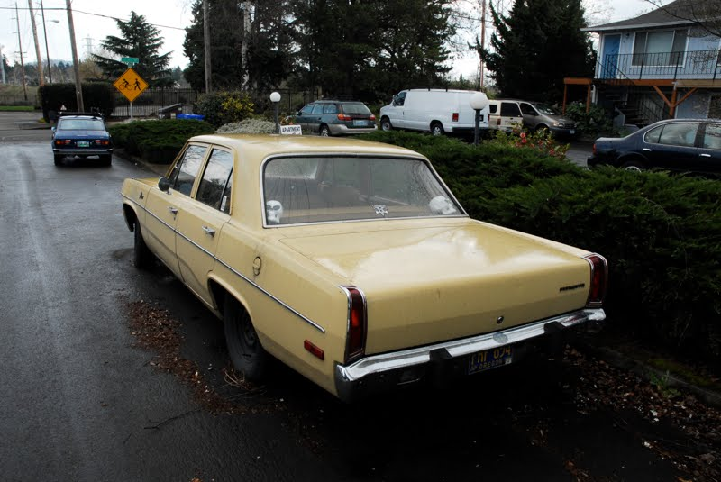 old parked cars 1973 plymouth valiant. Black Bedroom Furniture Sets. Home Design Ideas