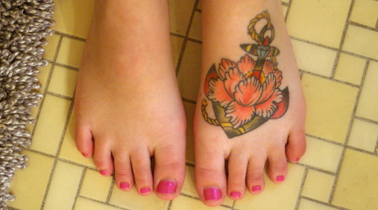 girl tattoos for foot. heart foot tattoos. Girl Foot