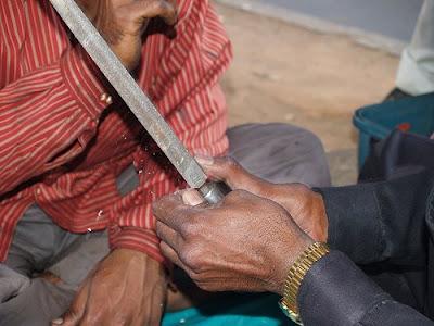 Dokter Gigi Jalanan Yang Ekstrim