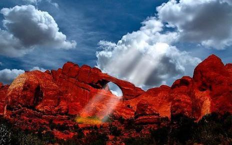 http://3.bp.blogspot.com/_Miv3T60Zq1M/S9msVXhiYtI/AAAAAAAANVo/L8X_VZZmmvQ/s1600/fenomena+cahaya+%289%29.jpg