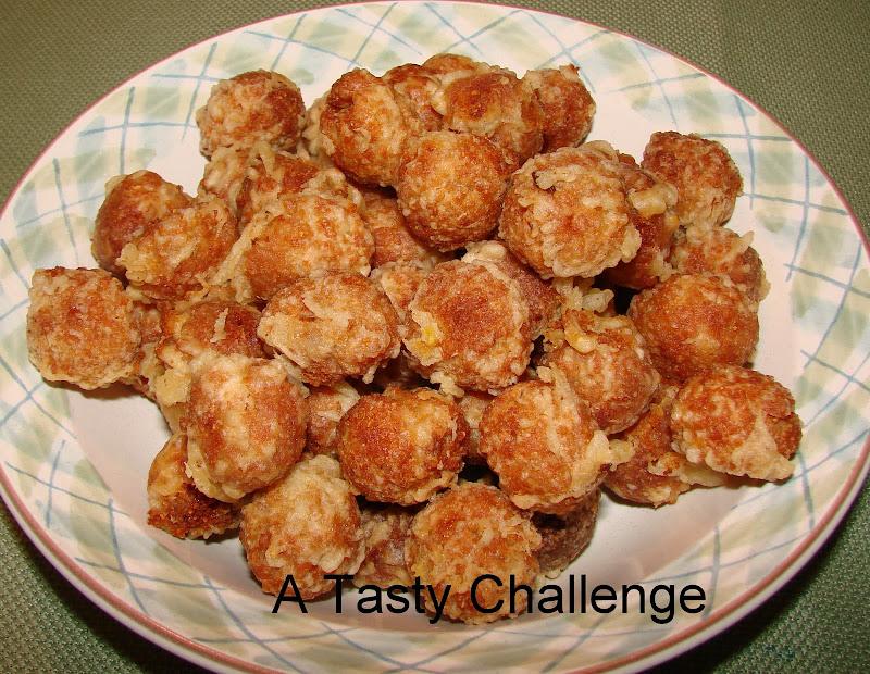 Munthirikothu/ Fried Moong Dal Balls