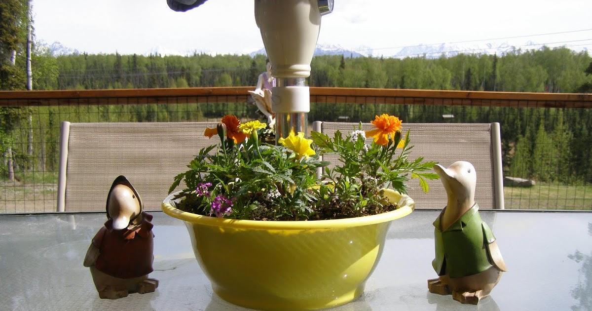 Planters For Patio Patio Table Umbrella Planter Design Gallery