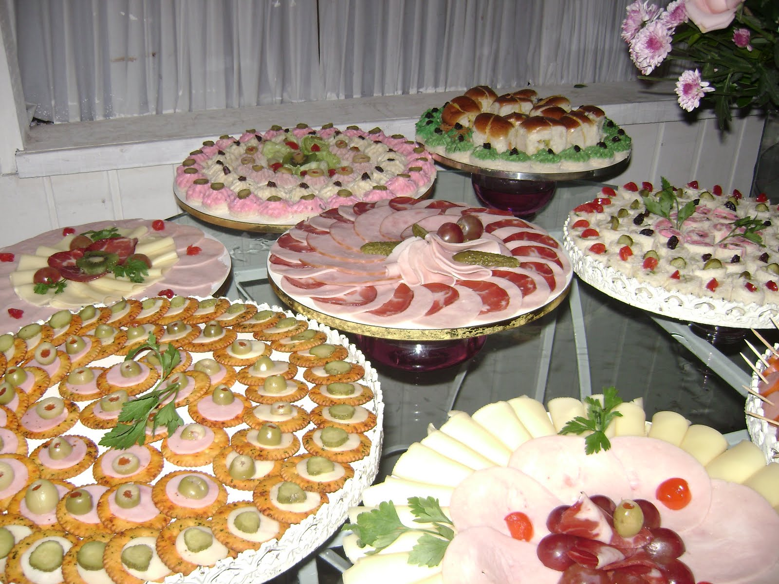Noite de sonhos festas for Canapes simples e barato