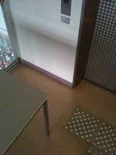 エレベーター周辺の写真