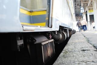 列車とホームの段差と隙間の写真