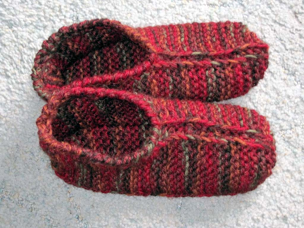 Knit Slippers Pattern Free : SLIPPER PATTERNS FOR KNITTING   Free Patterns
