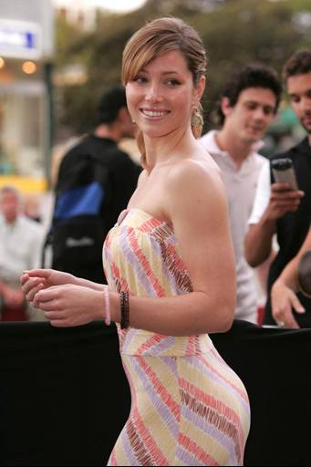 hot and sexy jessica biel, hot jessica biel in bikini, hot jessica biel wallpapers and photos, hot jessica biel boobs/breasts