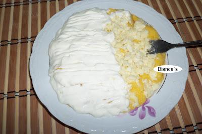 Articole culinare : Mamaliga cu cascaval si smantana