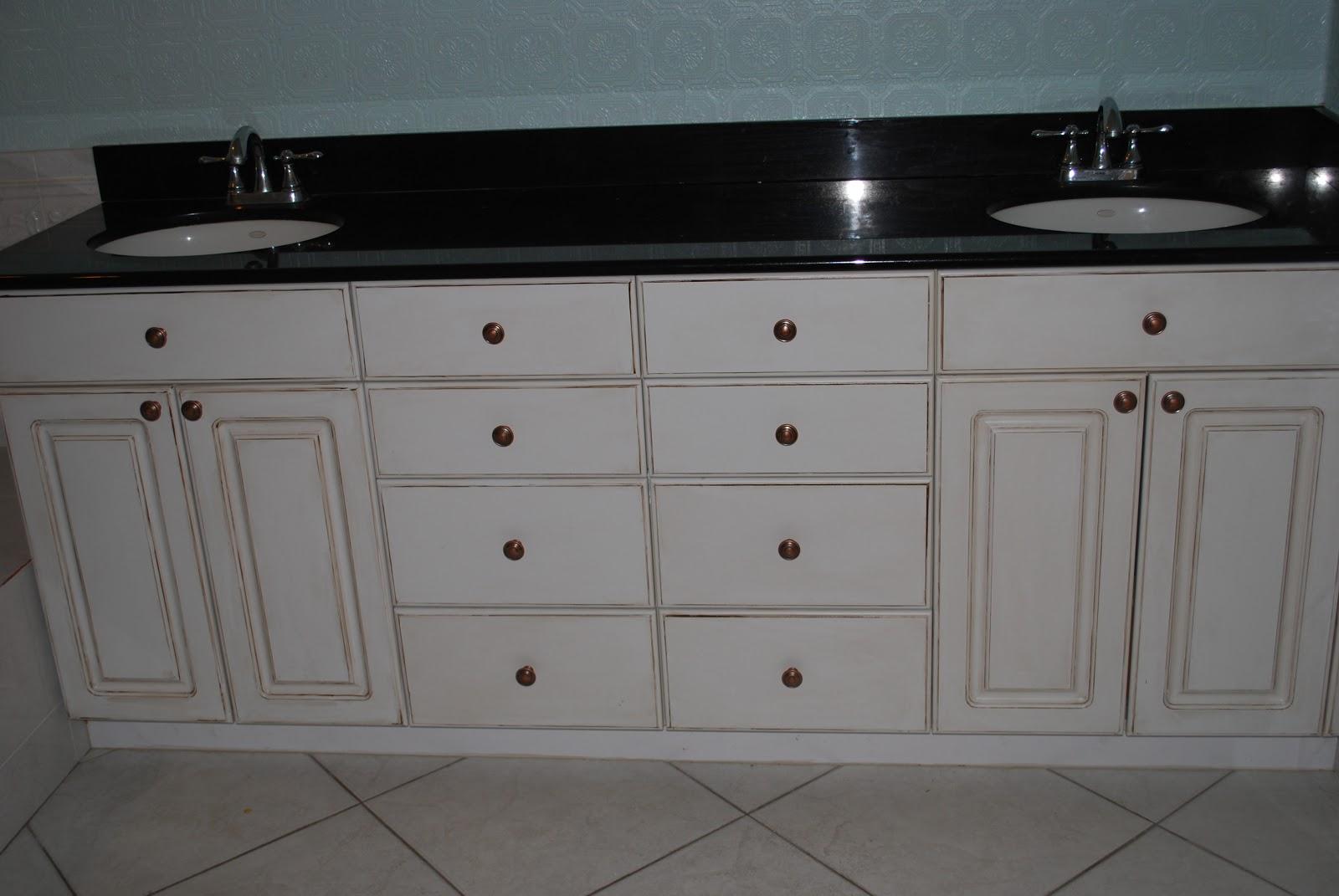 Kara 39 s korner glazing white cabinets for White kitchen cabinets with black glaze