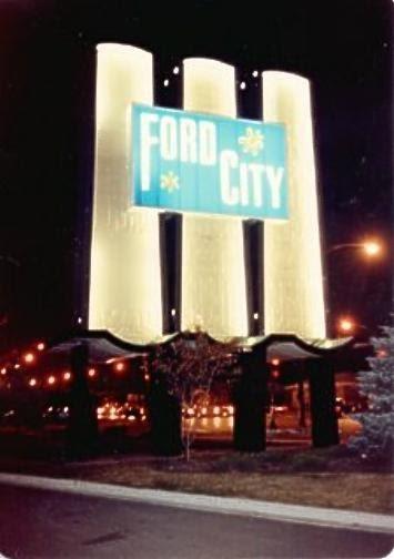Beautiful Downtown Burbank (Illinois): Ford City Shopping