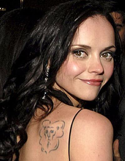 http://3.bp.blogspot.com/_N-GlYZDQYno/S9tyV59ZVPI/AAAAAAAACzc/3sx-JBKxPNg/s1600/celebrity_tattoo_christina_ricci.jpg
