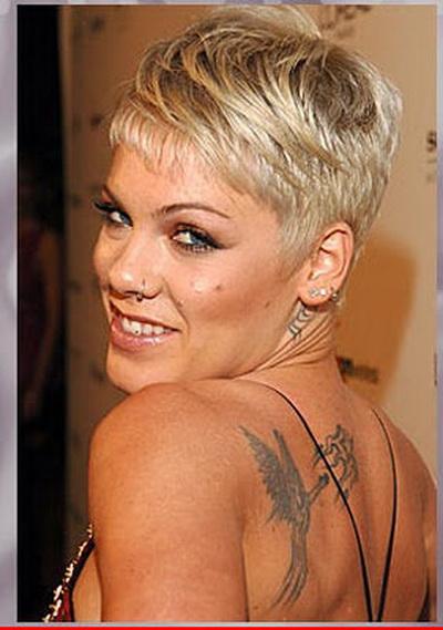http://3.bp.blogspot.com/_N-GlYZDQYno/S9tyXdLh0tI/AAAAAAAACzk/mp0WihkukdU/s1600/celebrity_tattoo_pink.jpg