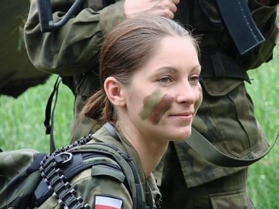 Những nữ cảnh sát dũng cảm xinh đẹp của các nước World%27s+Most+Bravest+Uniformed+Ladies+33
