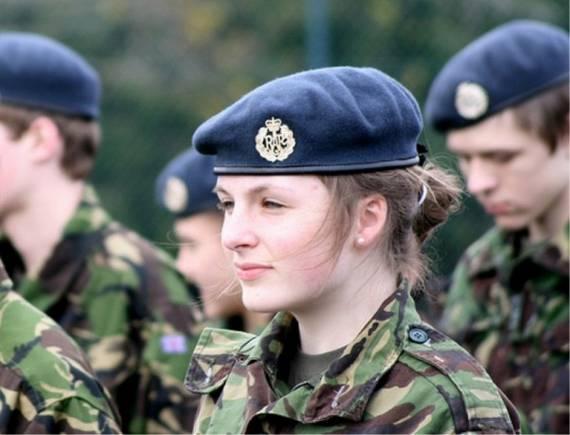 Những nữ cảnh sát dũng cảm xinh đẹp của các nước World%27s+Most+Bravest+Uniformed+Ladies+45