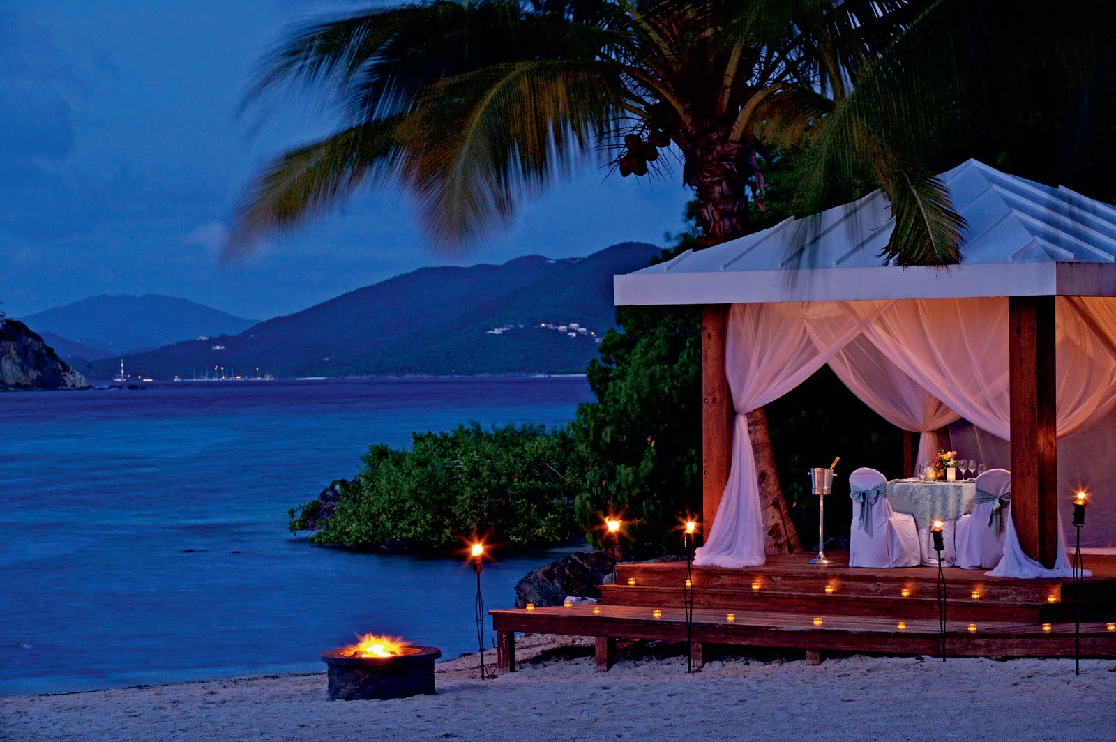romantic sea view dinner with good food, ambience, music and service ...