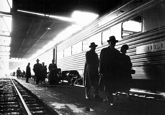Railroad station, Chicago 1949. By Stanley Kubrick for Look magazine/Library of Congress
