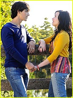 [demi-lovato-joe-jonas-cr2-preview.jpg]