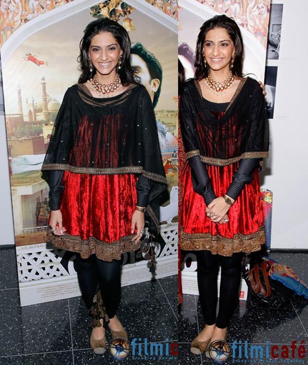 Sonam Kapoor Delhi 6 New York premiere Sabyasachi