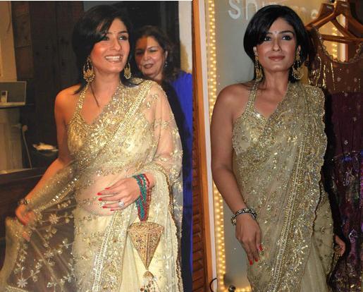 Raveena Tandon Rina shah store launch gold saree
