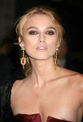  Keira Knightley Sexy Moody Pictures 