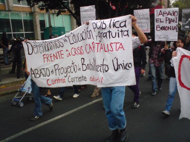 ¡Ni ACE, Ni reforma, Ni Bolonia! ¡Dé México hasta EuropA la lucha es una Sola!