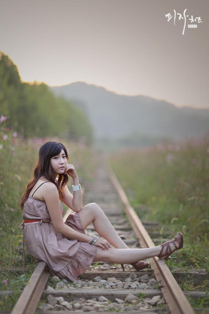 Lena Fujii - 藤井リナ