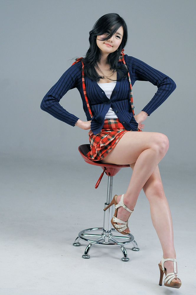 Han Ga Eun – Blue sweater and Red plad skirt