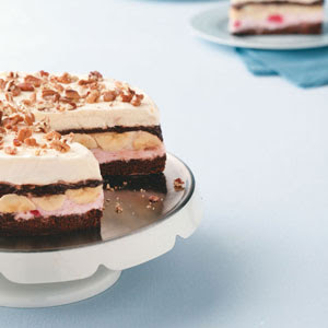 Gourmet Banana Split Brownie Cake Recipe