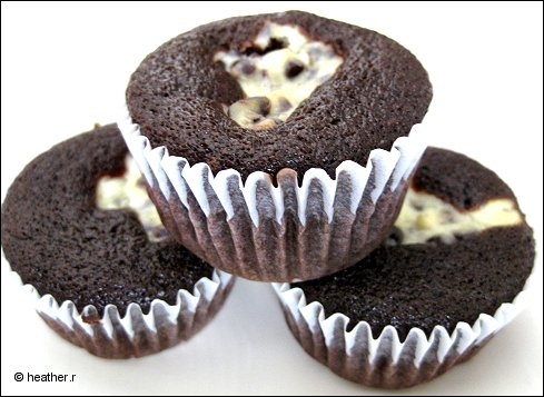 Gourmet Food Recipes Blog:Black Bottom Cupcakes Gourmet Recipe ...