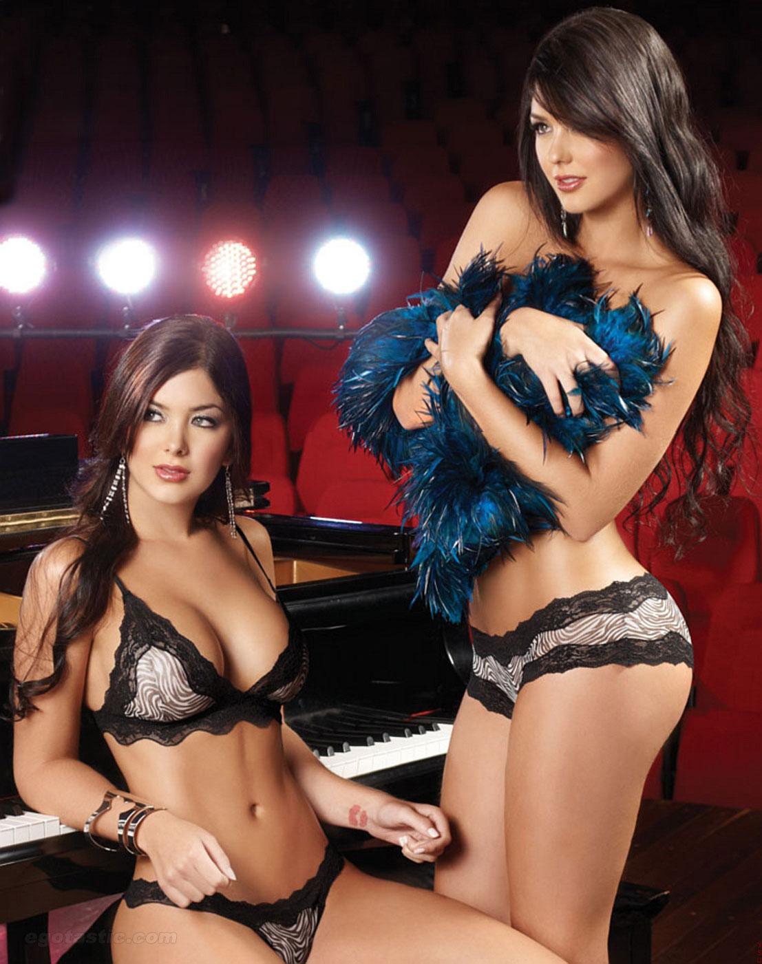 Camila & Mariana Davalos Nude Photos 61