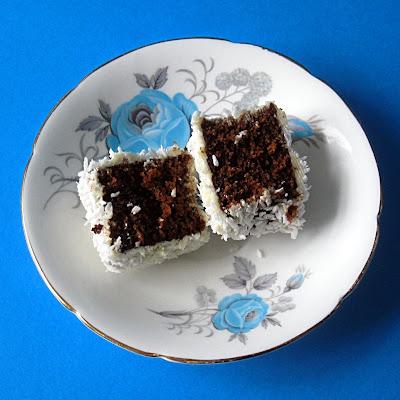 Dark Moist Gingerbread Cake
