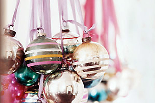 Inspire bohemia holiday chandeliers and brancheliers for Hanging ornaments from chandelier