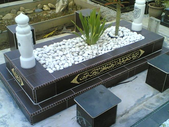 http://3.bp.blogspot.com/_N7eQjRnl1cI/TN4Q8ykqxxI/AAAAAAAABLw/mZ1EvdYLzYo/s1600/20101102-kematian-batu-nisan.jpg