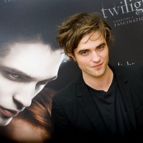 Robert Pattinson Born on Robert Pattinson 3 Robert Pattinson Jpg