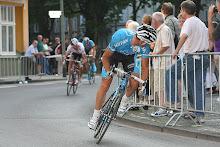 Jens chases Erik, Neuss
