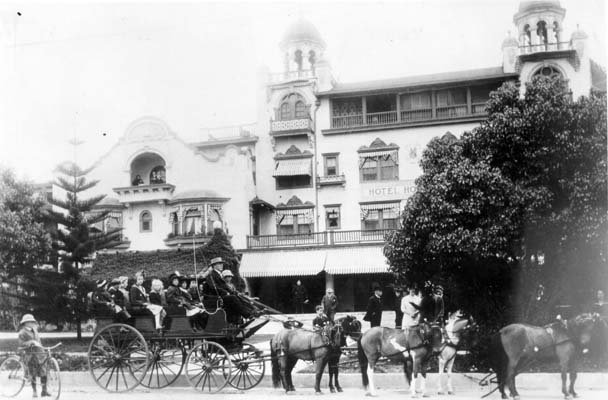 Tourists With Guide In Horse Drawn Bus, Hollywood & Higland 1905