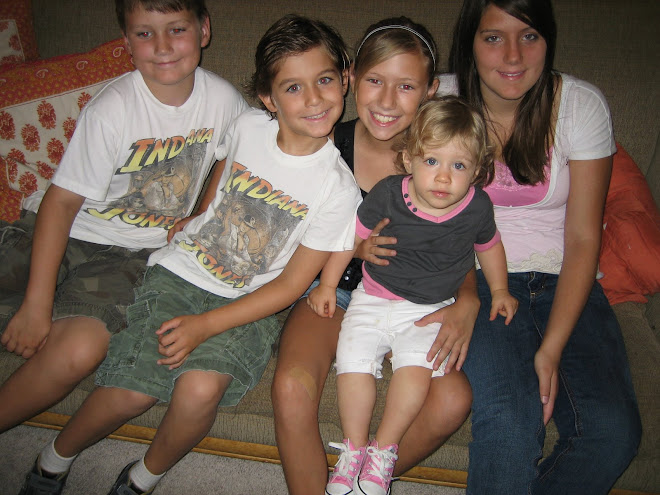 Zach, Chris, Hayli, Chloe, and Brittani